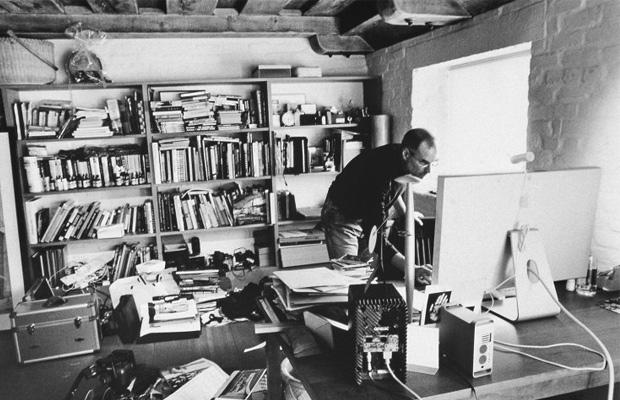 Steve Jobs Desk